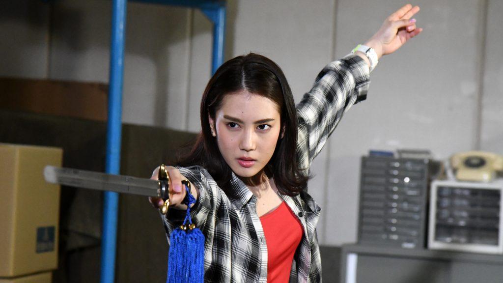 第2話 怪獣を斬る少女 イメージ1