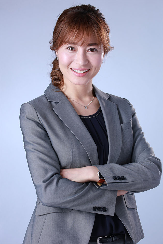 佐々木カナ (38)