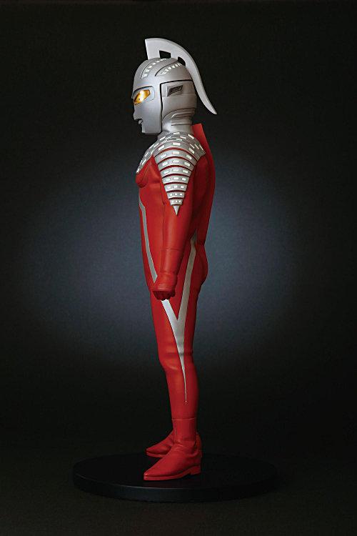 コールドキャスト製塗装済み完成品 海洋堂 Character Classics ウルトラセブン